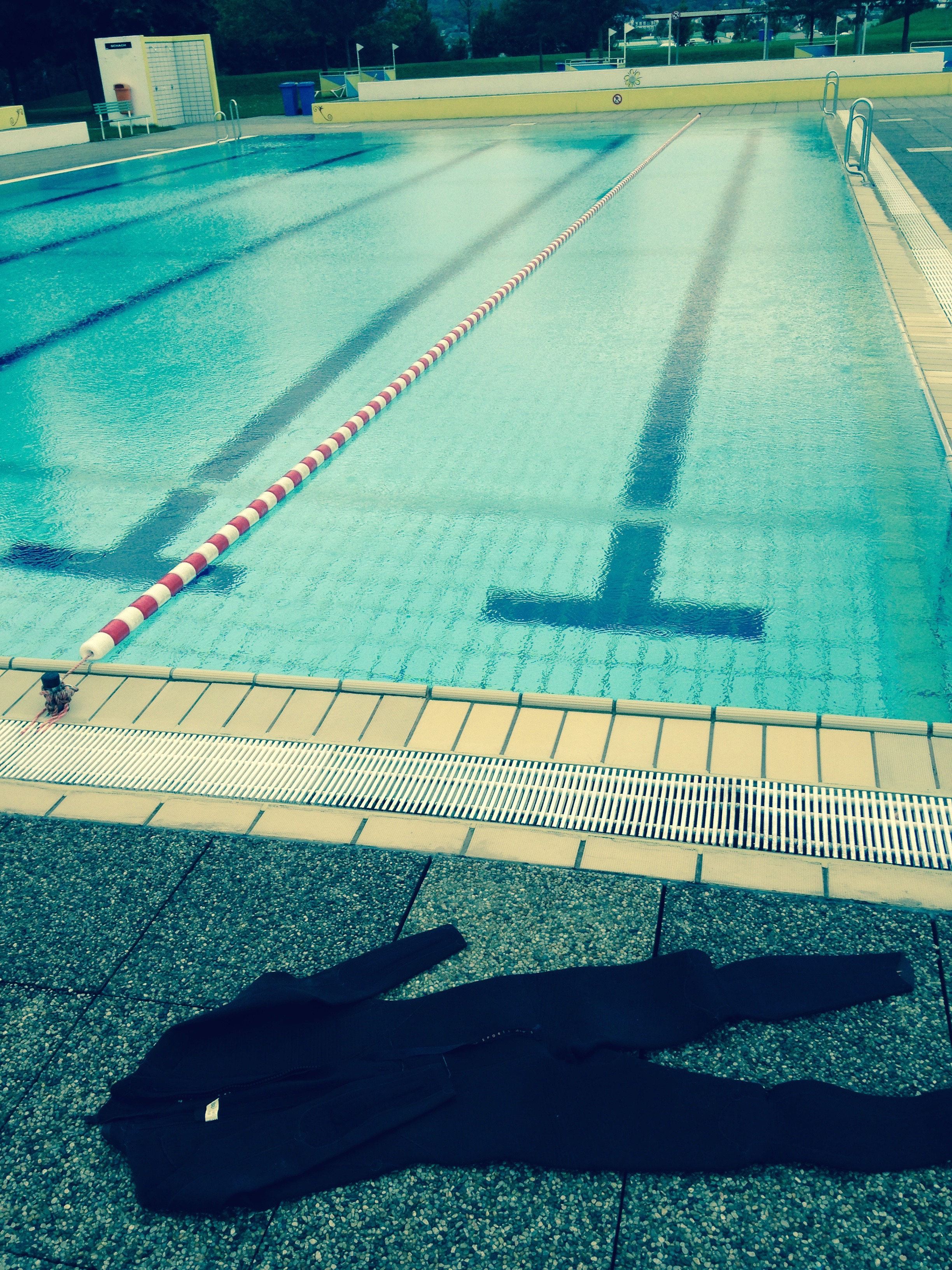 15 Schwimmen im Regen