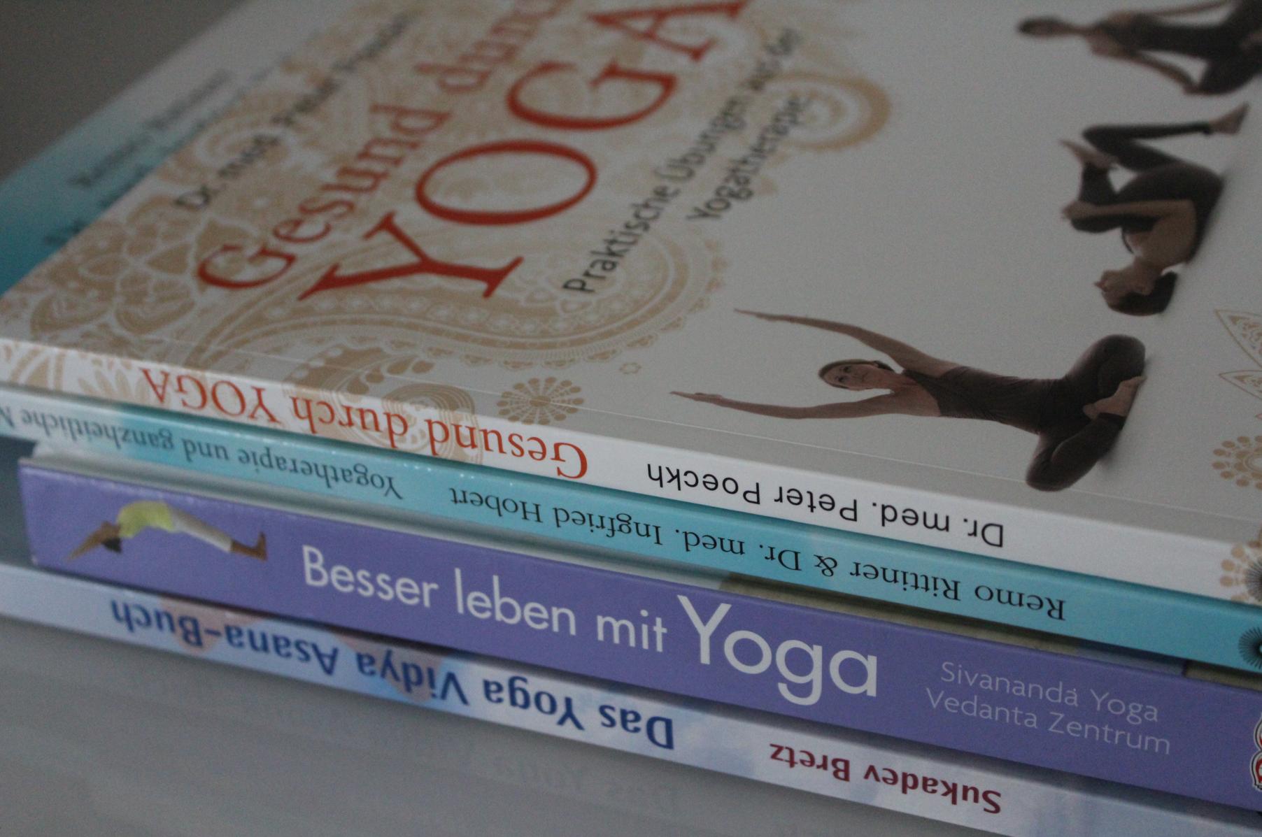 2 Yoga Therapie Yoga Bücher