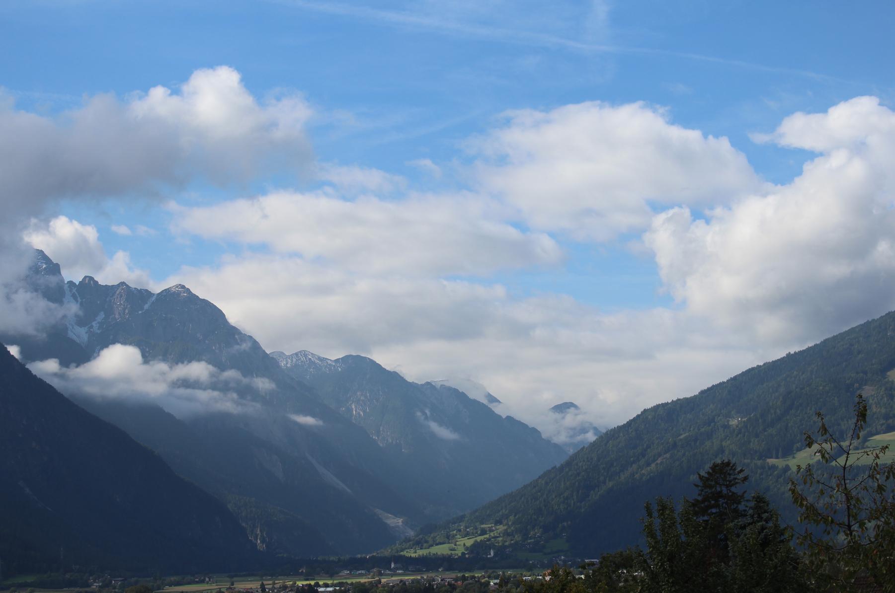 42 Blick übers Tal