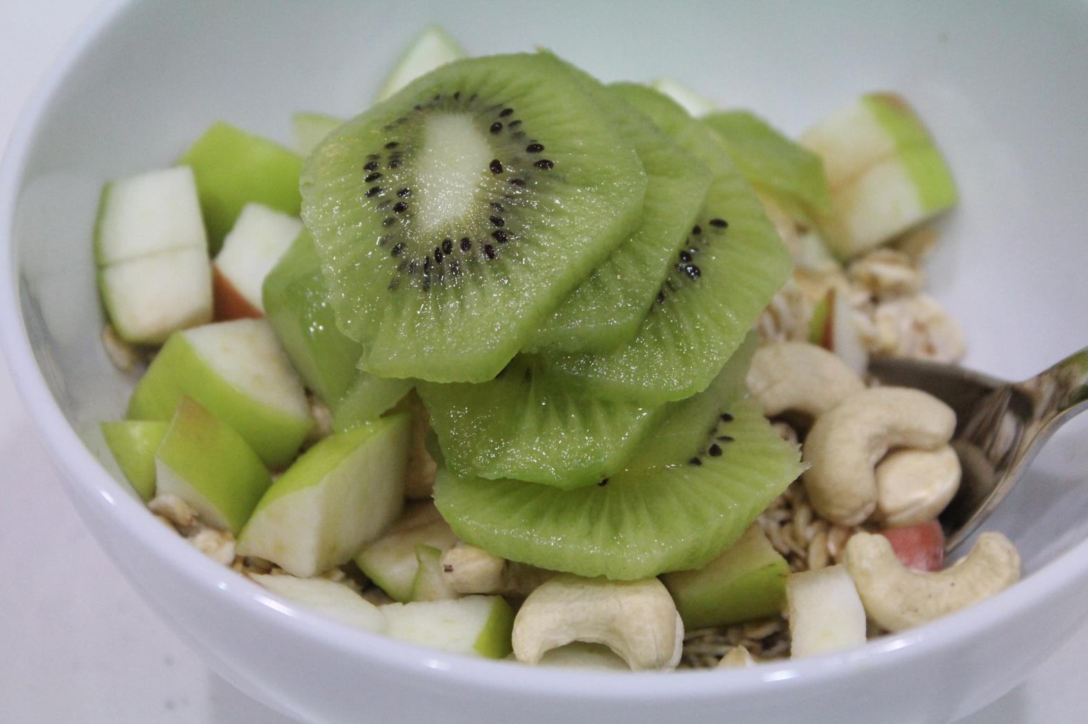 15 Haferflocken Müsli mit Obst Cashews