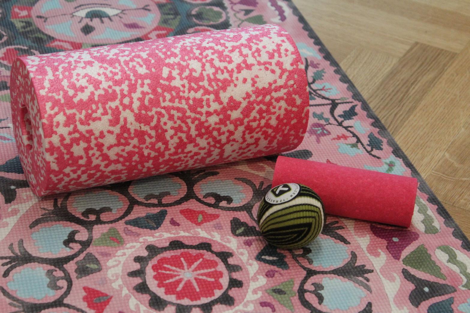 17 Blackroll Trigger Point Ball Yogamatte Magic Yoga Carpets Suzani Blush