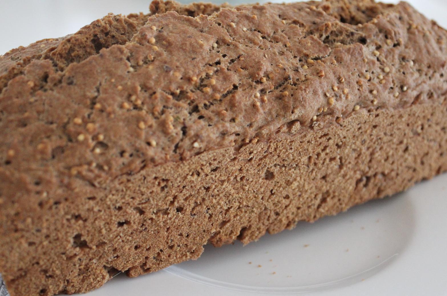 24 Dinkelbrot mit Quinoa selbstgebacken