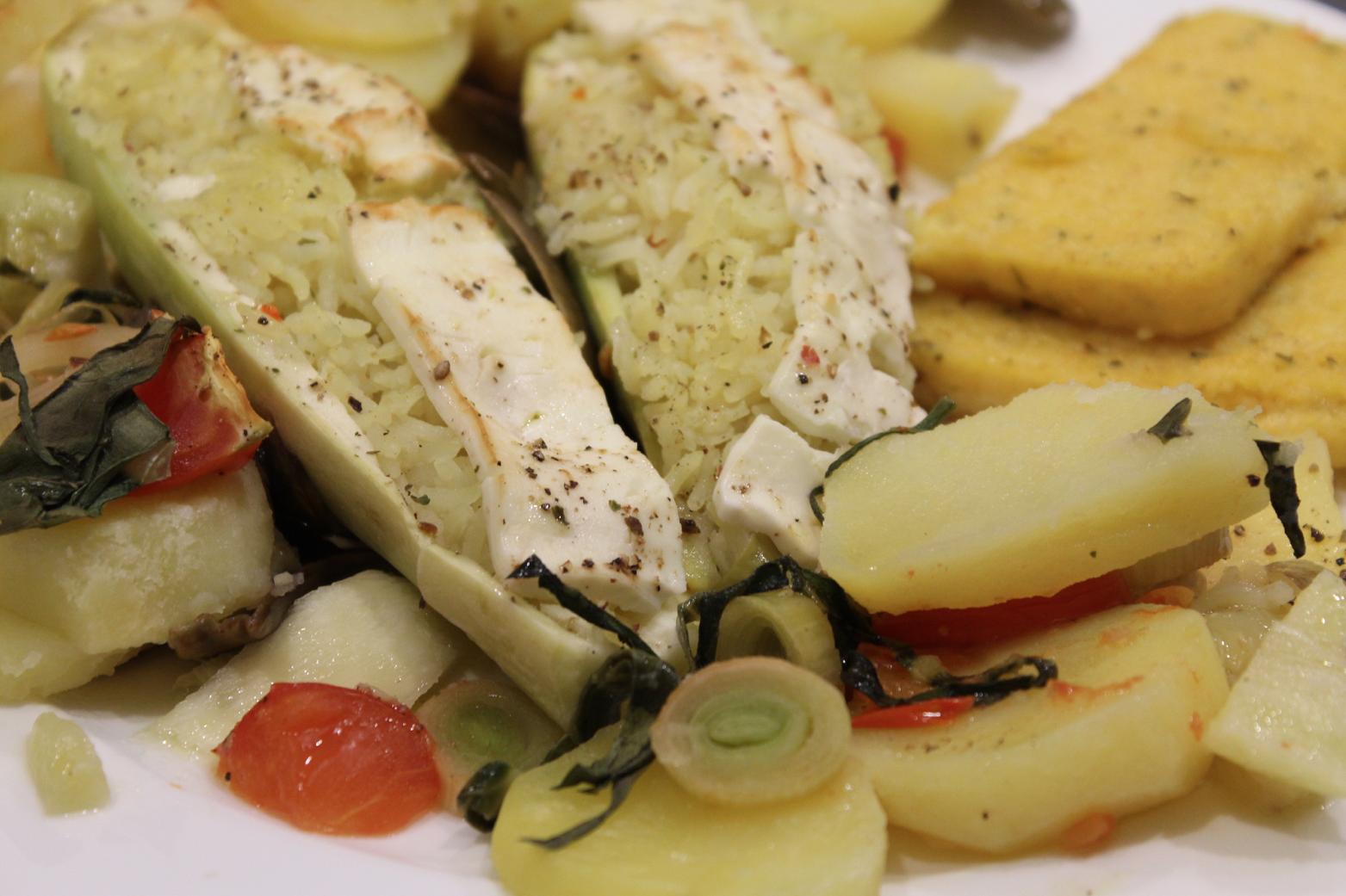 11 Ofengemüse mit Reis Feta und Polenta