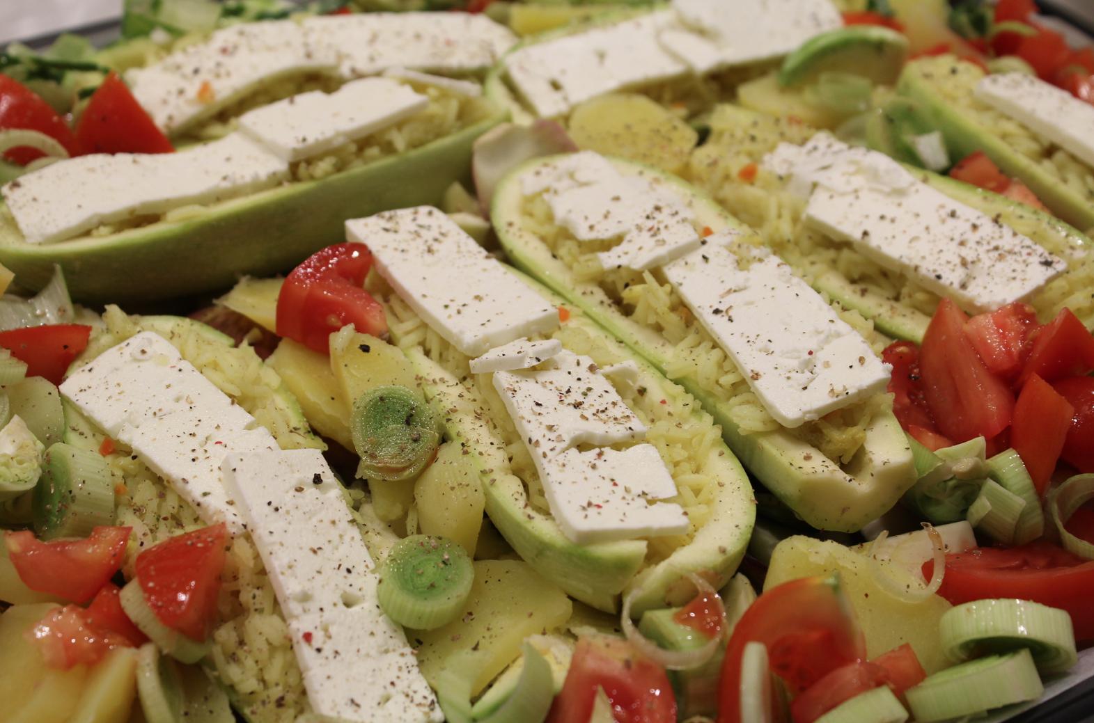 5 Zucchini mit Reis und Feta Gemüsebeet
