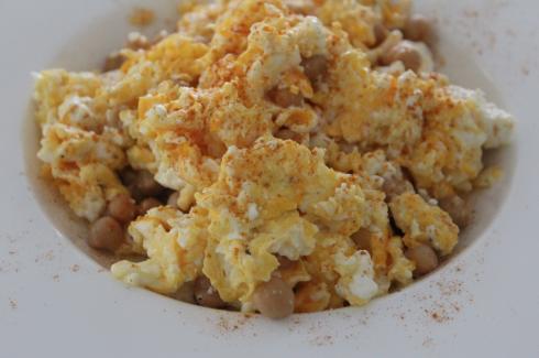5 Protein Essen Kichererbsen Eier Feta