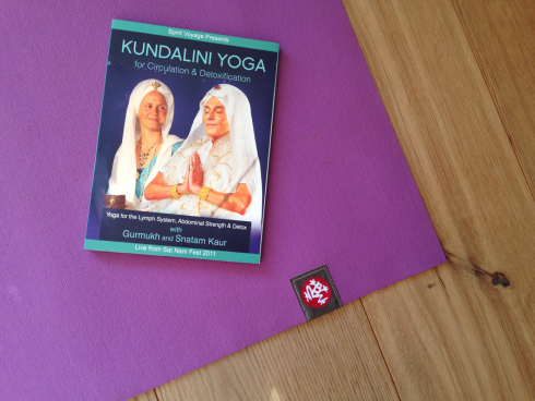 6 Kundalini Yoga Dvd Manduka Travel Mat