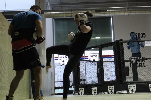 11 Muay Thai Middle Kick Reebok Combat