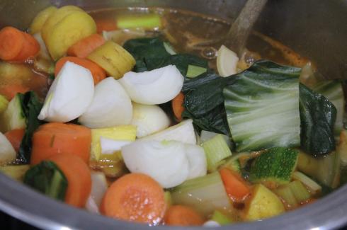 12 Gemüsesuppe