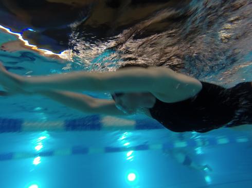 19 Schwimmen am Abend