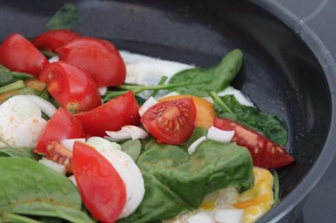 17 Ei mit Spinat und Gemüse