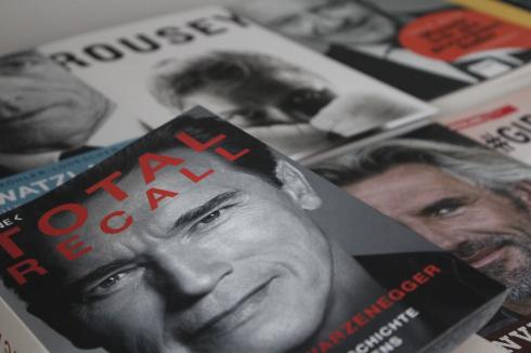 Total Recall Schwarzenegger Buch