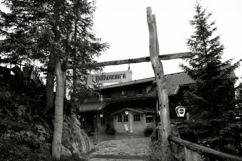1 Dolomitenhütte