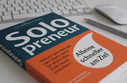 1-solopreneur-buch-unternehmer-smart-business-concepts