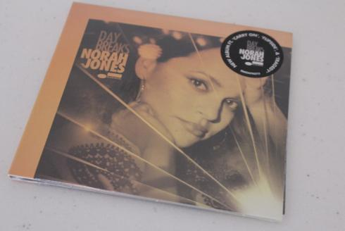 9-norah-jones-neues-album-day-breaks