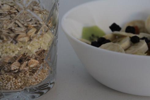 13 Frühstück Amaranth Haferflocken Dinkelflocken Hirseflocken Obst dm Bio