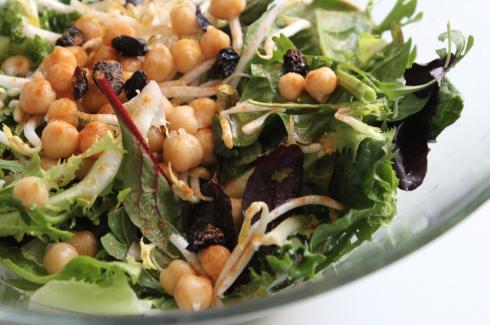 3 Blattsalat mit Kichererbsen