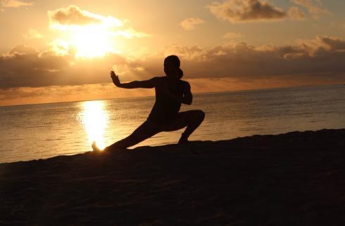 7-yoga-on-the-beach-sun-rise-mauritius