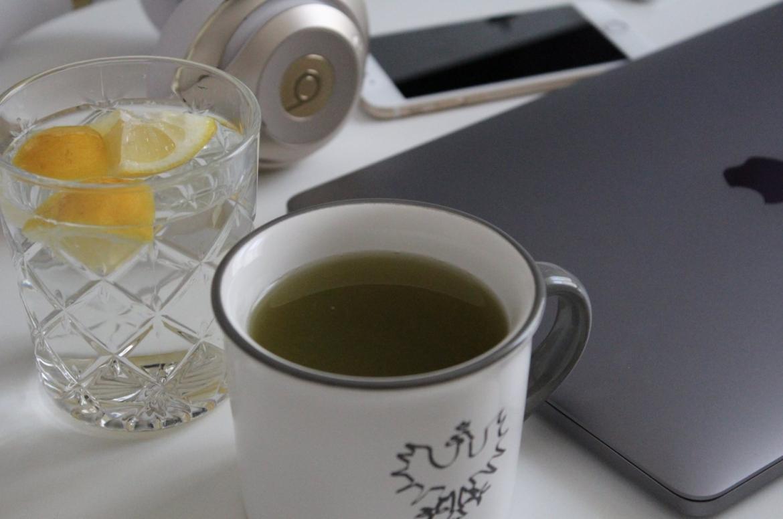 Schreibtischjob Büroalltag Gesundheit gesund leben