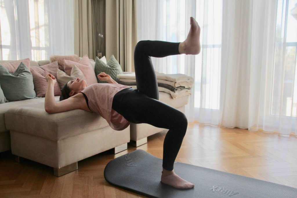 Hip Thrust Couch Booty Workout