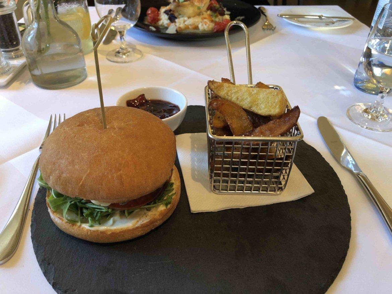 Intervallfasten Burger essen