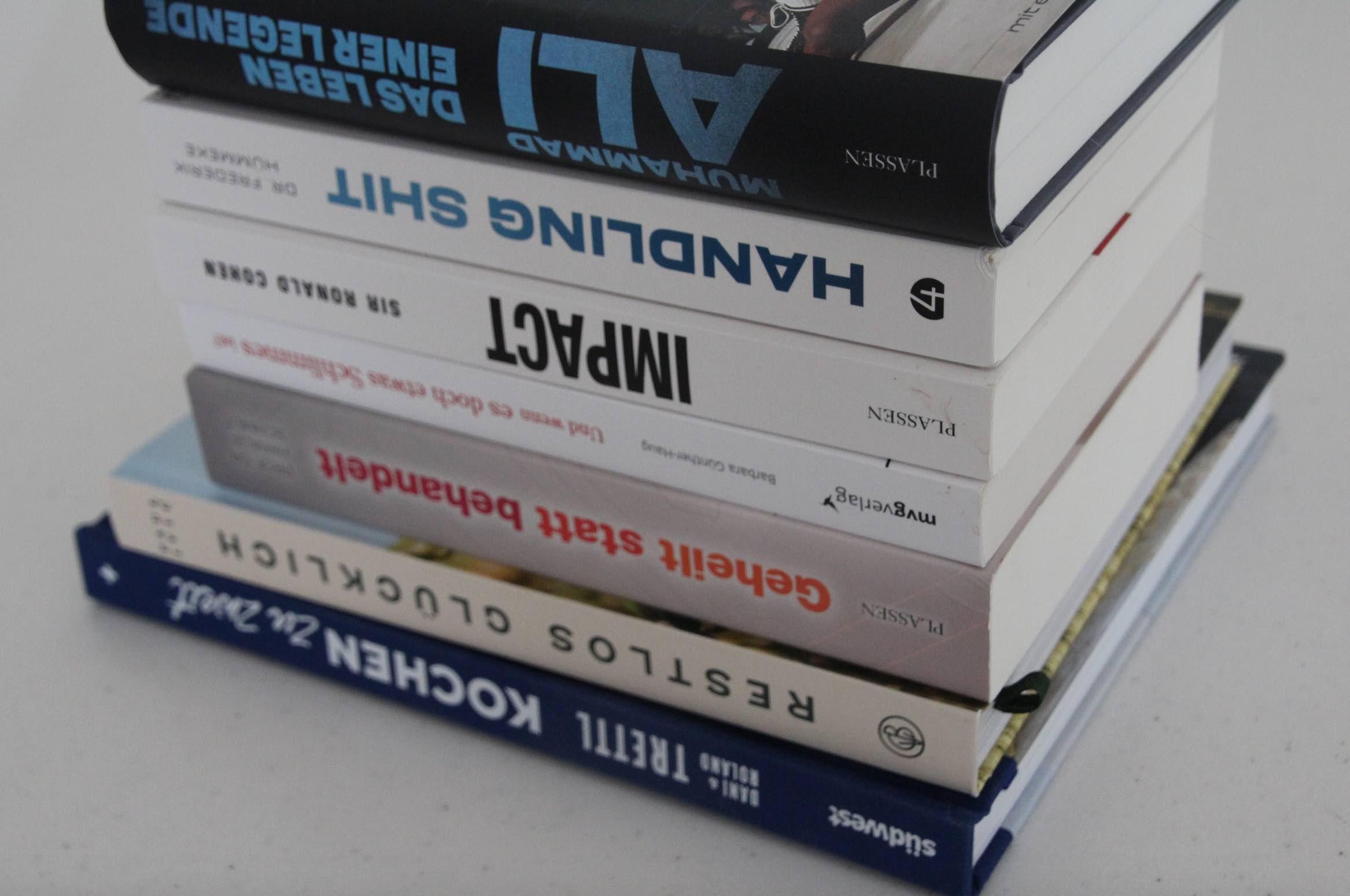 Bücher Lesen 2021 bunter Mix